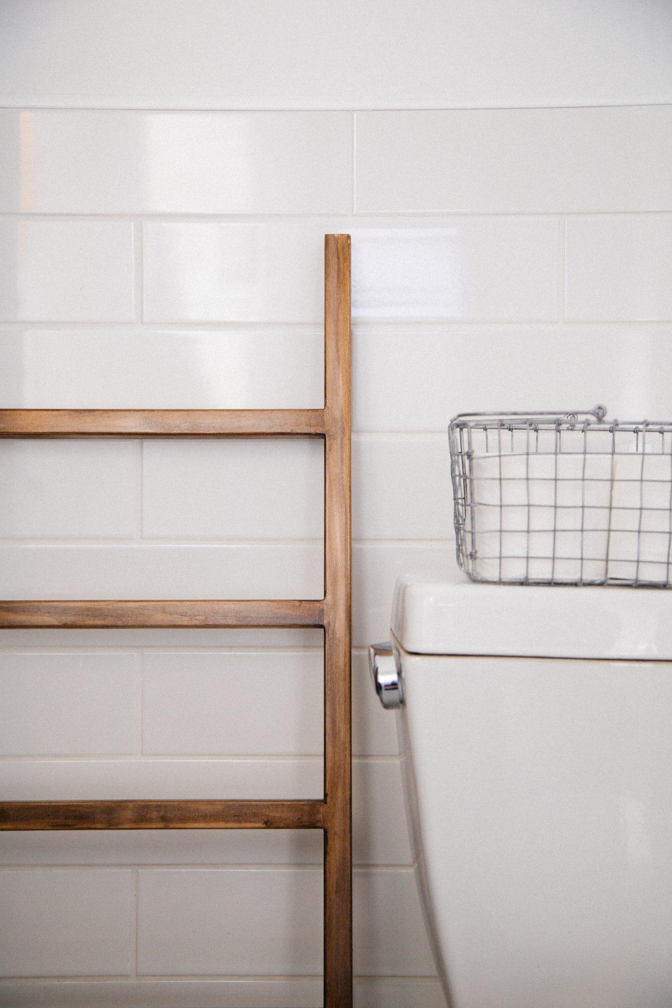 tout sur le wc sanibroyeur qu 39 est ce que c 39 est fonctionnement pannes prix entretien et. Black Bedroom Furniture Sets. Home Design Ideas