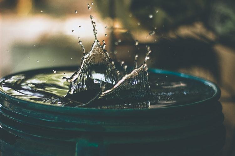 Plomberie : réparer une fuite sur un tuyau en cuivre